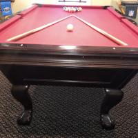 Immaculate Brunswick Slate Tremont Pool Table Red Felt