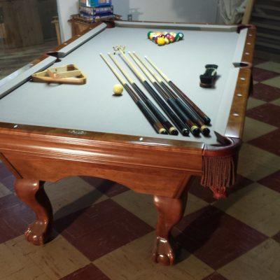 8' Brunswick Bradford II Mahogany Pool Table